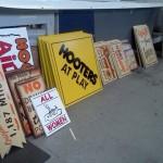 Var Hooter Signs3